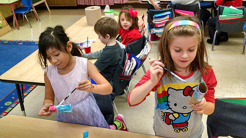 Holmes 1st graders rock out with Art Start