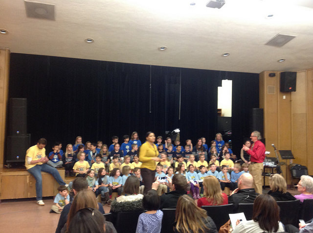 Mann 2nd graders learn American music classics with Art Start artist John Milan