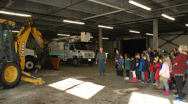 Geared Up 3rd graders see big simple machines at OP Public Works Center