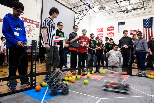 Oak Leaves: Robots battle it out for state tournament bid